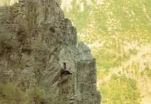 kackal-manastiri