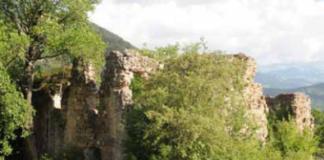 kupluce-koyu-kilisesi